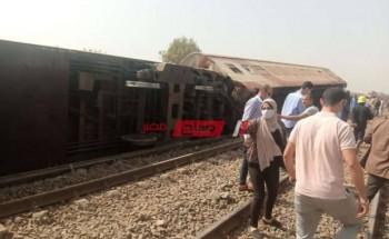 خروج قطار عن القضبان في القليوبية والدفع بسيارات الإسعاف لنقل الضحايا
