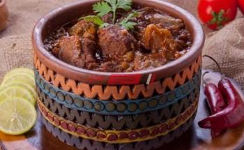 طريقة عمل طاجن البامية بالعكاوى بطعم مميز من قائمة وصفات رمضان 2021 على طريقة الشيف فاطمة ابو حاتى