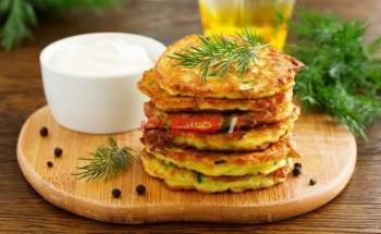 طريقة عمل عجة الكوسا بالشبت والبصل الأخضر والجزر لأشهي سحور في رمضان 2021 بطريقة سهلة وبسيطة وبدون مجهود
