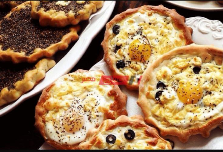 طريقة عمل مناقيش الجبن والبيض لسحور مميز خلال شهر رمضان ٢٠٢١
