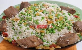 طريقة عمل أرز بسمتي باللحمة والبازلاء والصنوبر والزبيب علي طريقة الشيف منال العالم