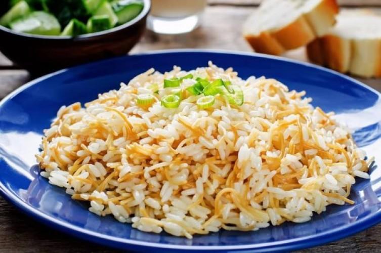 طريقة عمل الأرز بالشيعرية بخطوات سهلة وبسيطة فى أقل من 30 دقيقة