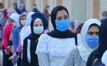 طلاب الثانوية العامة الشعبة الأدبى يؤدون امتحان اللغة العربية والوزير يرد على صفحات تسريب الامتحان