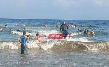 إقبال المصطافين على شواطئ رأس البر في أول ايام عيد الأضحى المبارك
