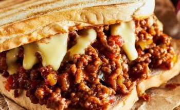 طريقة عمل ساندوتش اللحم المفروم بالجبنة الشيدر