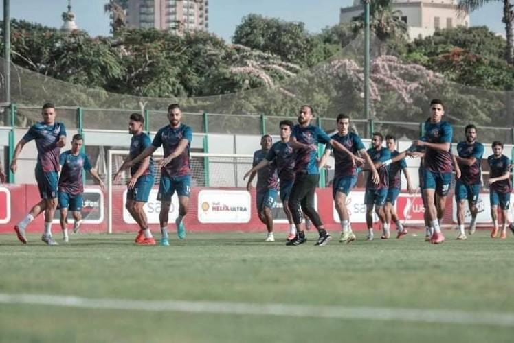 كابيللو يشرف على تدريبات بدنية للاعبي الأهلي