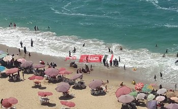 اقبال علي شواطئ الإسكندرية في ثاني أيام عيد الأضحى المبارك