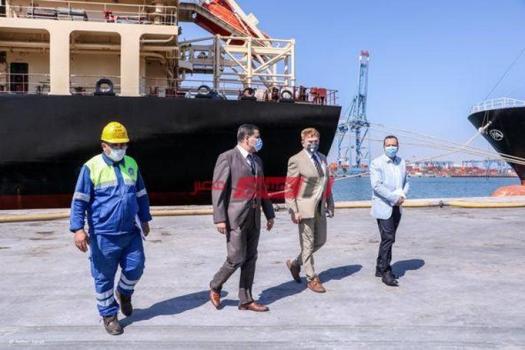 بالصور انتظام الإجراءات الإحترازية ضد فيروس كورونا في ميناء دمياط