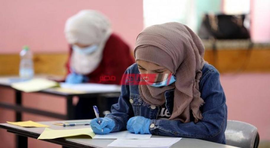طلاب الثانوية العامة أدبي ينتهون من أداء امتحان التاريخ في الإسكندرية