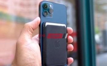 اطلاق باور بانك من آبل بنظام MagSafe لأجهزة الآيفون