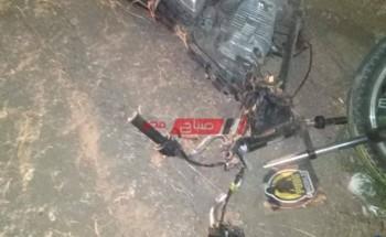 مصرع شاب واصابة اخر في حادث تصادم دراجة بخارية بحاجز خرساني على طريق رأس البر