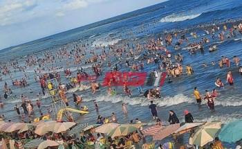 محلية رأس البر تهيب بالمواطنين عدم نزول البحر بسبب ارتفاع الأمواج وشدة سحب المياه