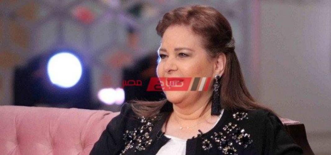 بعد 40 يوم علي وفاتها… إيمي سمير غانم توجه رسالة لـ والدتها دلال عبد العزيز