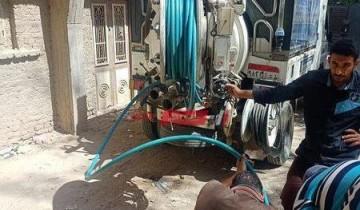 شن حملات مكبرة لتطهير بالوعات صرف مياه الأمطار في دمياط