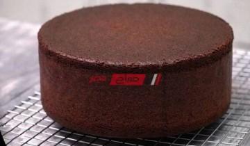 طريقة عمل الكيكة الإسفنجية بالشكولاتة مثل الجاهزة بطعم لذيذ وهش