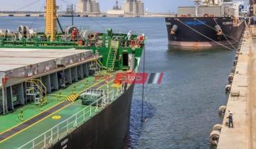 تداول 28 سفينة عبر ميناء دمياط واستقبال 19676 طن قمح