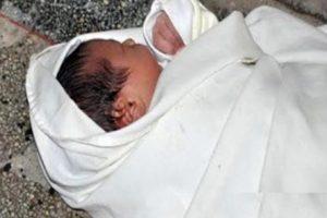 التحقيق فى وفاة طفلة بحبل أثناء غياب الام فى بولاق