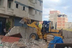 إزالة عقارين مخالفين بحي العجمي فى الإسكندرية