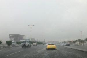 الدفاع المدني يحذر من أمطار شديدة يوم غداًُ الثلاثاء فى عدة مناطق بالمملكة