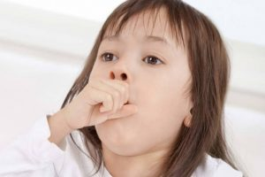 تعرفى على خطوات طبية عليك اتباعها عند إصابة طفلك بالتهاب الحنجرة