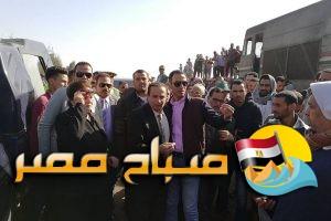 بالصور …. محافظ البحيرة تصل موقع حادث تصادم قطارى محافظة البحيرة