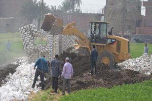 إزالة 4 حالات تعد على الأراضي الزراعية في حملة مكبرة بسوهاج
