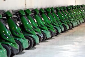 توفير أكثر من 9 آلاف عربة كهربائية لخدمة زوار بيت الله الحرام مجانا بالسعودية