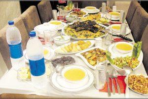 اتكيت العزومات في رمضان .. نقدم لك عدة نصائح استقبال ومعاملة الضيوف