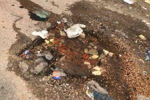 ميل عقار مأهول بالسكان بسبب كسر ماسورة مياه بالإسكندرية