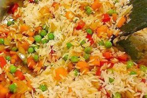 طريقة تحضير أرز مدخن بالخضار والدجاج