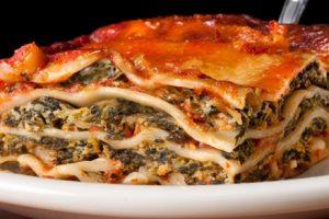 لعشاق المطبخ الإيطالي .. طريقة تحضير لازانيا البطاطس