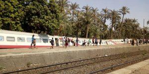بالصور .خروج 3 عربات من قطار 986 عن القضبان بحوش محطة المرازيق بالجيزة