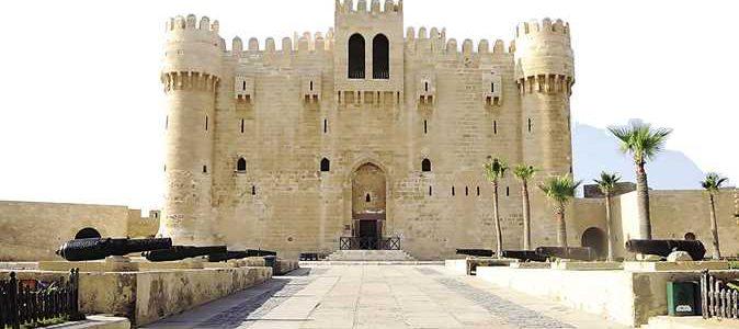 تعرف على تفاصيل أزمة لسان قلعة قيتباى الأثرى بالإسكندرية