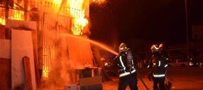 نشوب حريق هائل بشركة بترول الاسكندرية والدفع بـ 10 سيارات إطفاء