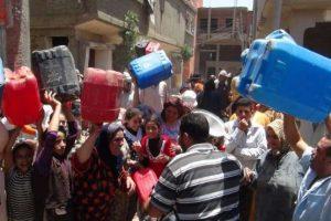 غرق الشوارع بالصرف الصحى وقطع المياه بالقليوبية فى العيد