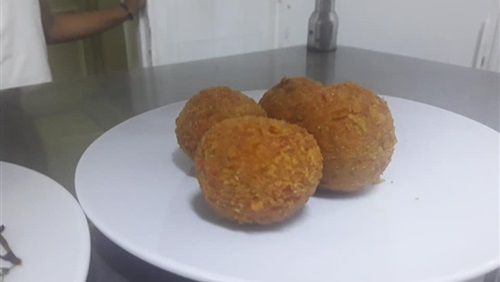 طريقة عمل كرات اللحم المقلية بالجبن فى المنزل