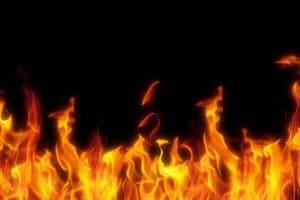 فرض السيطرة على حريق داخل شقة سكنية فى الموسكى دون إصابات