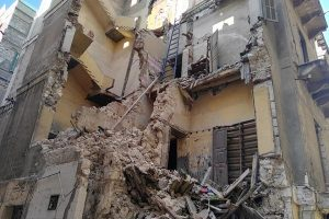 إزالة 4 عقارات آيلة للسقوط بحي وسط فى الإسكندرية