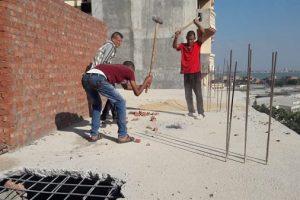 بالصور.. إزالة عقارات مخالفة بحي شرق فى الاسكندرية