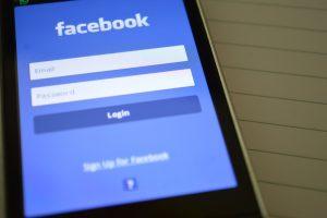 عطل في موقع التواصل الاجتماعي فيس بوك