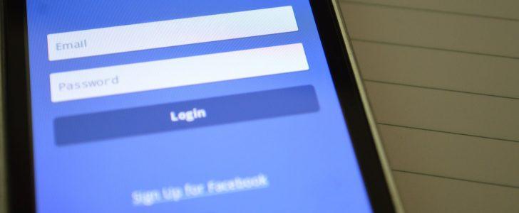 """السر الحقيقي وراء """" تسجيل الخروج """" لأكثر من 50 مليون مستخدم على فيس بوك بالأمس"""
