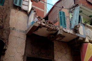 بالصور.. هدم 4 عقارات بمنطقة محرم بك لخطورتهم في الإسكندرية