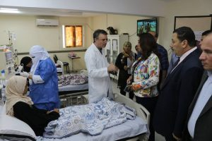 رئيس محلية الزرقا بدمياط يتفقد سير العمل بالمستشفى المركزي