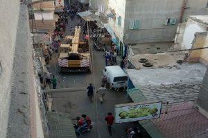 فصل الكهرباء و الغاز عن عزبة البرج بدمياط بعد انهيار منزل ومحافظ دمياط تتفقد موقع الحادث