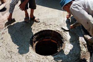 رئيس محلية دمنهور يستجيب لطلب مواطن بازالة أثار الحفر الناتج من الصرف الصحى