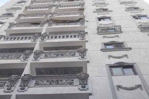 بالصور إزالة أدوار مخالفة بعقارين فى حى شرق بالإسكندرية