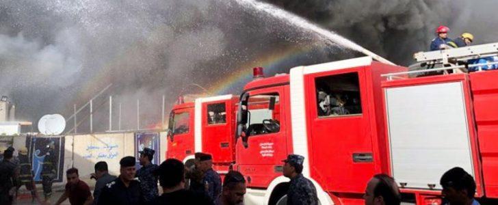 اخماد حريق شب في عقار يستخدم كمخزن اخشاب دون خسائر بشرية بدمياط