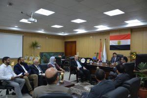 رئيس جامعة دمياط يعقد اجتماع مع مساعدي المستشار الثقافى الليبى لدعم الطلاب الوافدين