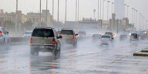 نشاط الرياح وهطول أمطار على السواحل الشمالية يوم غداً