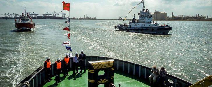 100 سيارة نقل تغادر ميناء دمياط بحمولة 4790 طن قمح